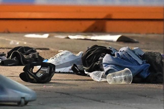 Xả súng liên tiếp tại London, ít nhất 3 người bị thương ảnh 1