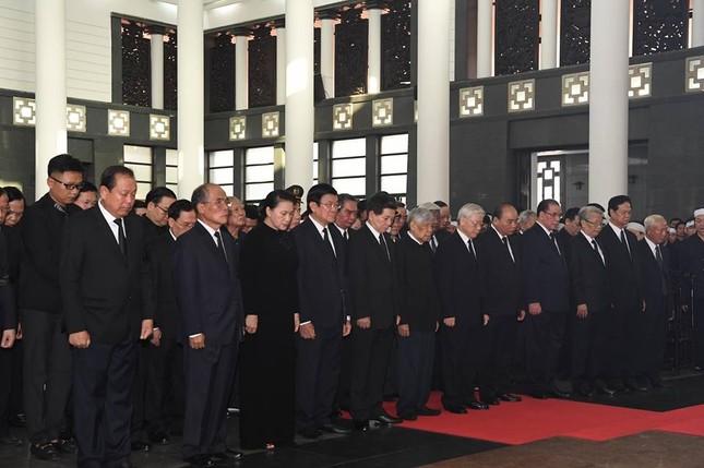 Hình ảnh Lãnh đạo Đảng, Nhà nước viếng Chủ tịch nước Trần Đại Quang ảnh 7