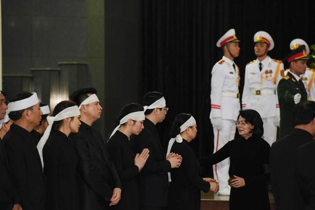 Hình ảnh Lãnh đạo Đảng, Nhà nước viếng Chủ tịch nước Trần Đại Quang ảnh 20