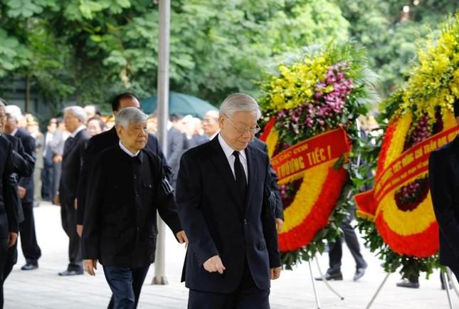 Hình ảnh Lãnh đạo Đảng, Nhà nước viếng Chủ tịch nước Trần Đại Quang ảnh 3