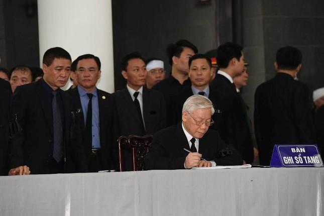 Hình ảnh Lãnh đạo Đảng, Nhà nước viếng Chủ tịch nước Trần Đại Quang ảnh 9