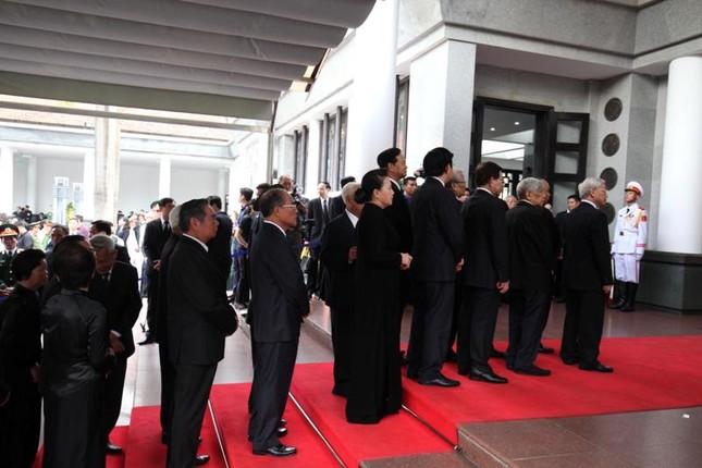 Hình ảnh Lãnh đạo Đảng, Nhà nước viếng Chủ tịch nước Trần Đại Quang ảnh 4