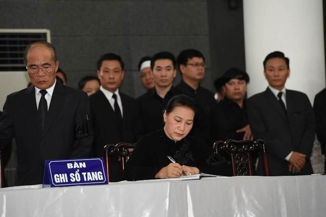 Hình ảnh Lãnh đạo Đảng, Nhà nước viếng Chủ tịch nước Trần Đại Quang ảnh 12