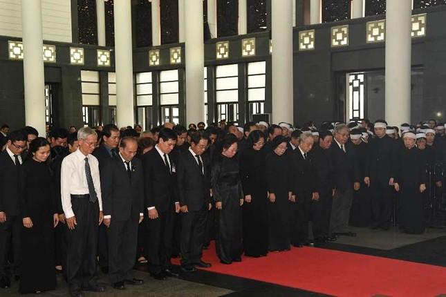 Hình ảnh Lãnh đạo Đảng, Nhà nước viếng Chủ tịch nước Trần Đại Quang ảnh 19