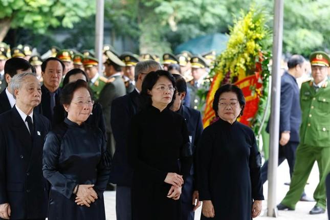 Hình ảnh Lãnh đạo Đảng, Nhà nước viếng Chủ tịch nước Trần Đại Quang ảnh 17