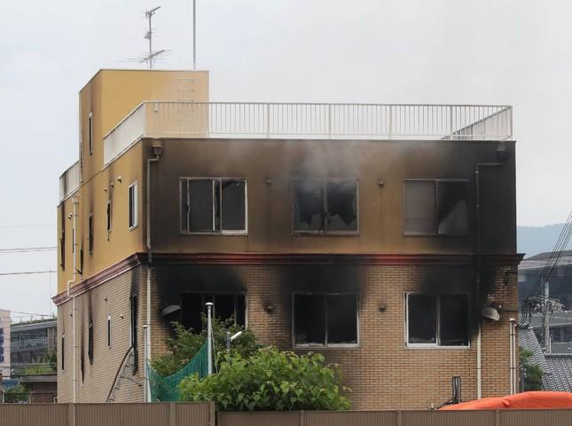 Cháy xưởng phim Nhật Bản: Nghi phạm vừa châm lửa vừa hét 'Chết đi!' ảnh 4