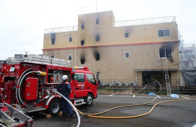 Cháy xưởng phim Nhật Bản: Nghi phạm vừa châm lửa vừa hét 'Chết đi!' ảnh 5