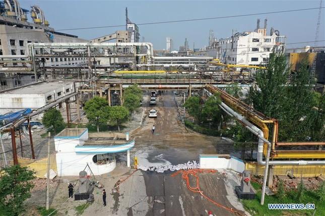Nhà máy gas phát nổ, 34 người thương vong và mất tích ở Trung Quốc ảnh 5
