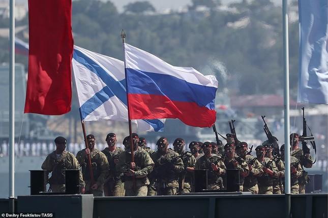 Xem dàn chiến hạm Nga rẽ sóng thị uy sức mạnh hải quân ảnh 11