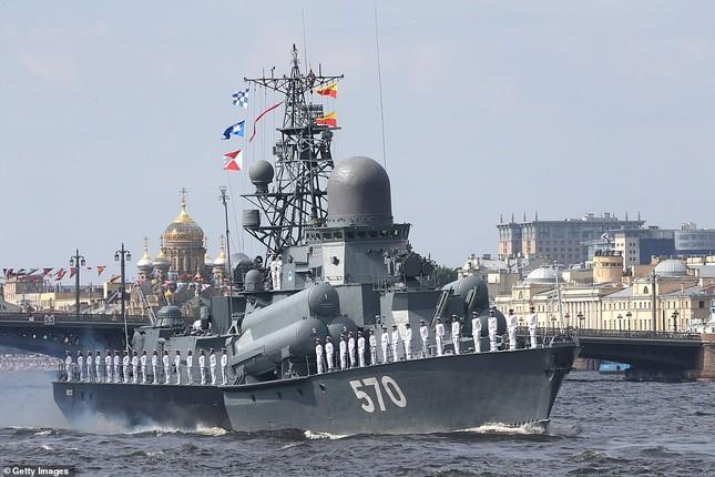 Xem dàn chiến hạm Nga rẽ sóng thị uy sức mạnh hải quân ảnh 2