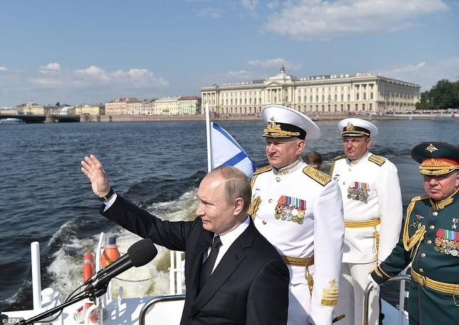 Xem dàn chiến hạm Nga rẽ sóng thị uy sức mạnh hải quân ảnh 7