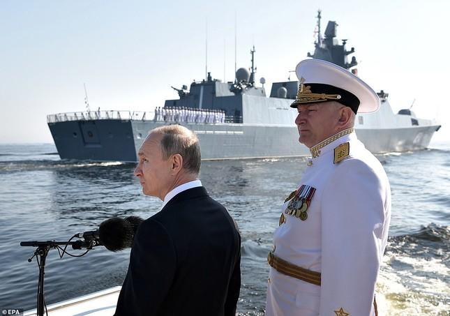 Xem dàn chiến hạm Nga rẽ sóng thị uy sức mạnh hải quân ảnh 6