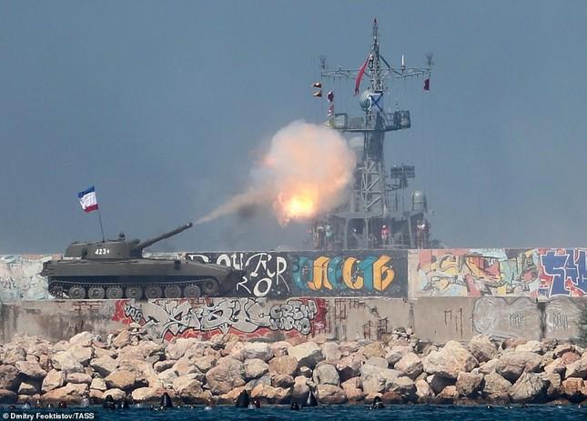 Xem dàn chiến hạm Nga rẽ sóng thị uy sức mạnh hải quân ảnh 18