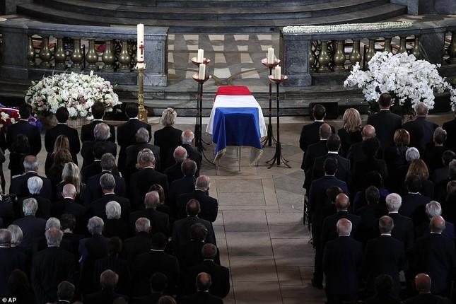 Ông Putin, ông Clinton đến Pháp viếng cố Tổng thống Jacques Chirac ảnh 14