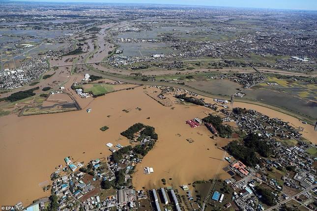 Cảnh tan hoang vì siêu bão Hagibis ở Nhật Bản nhìn từ trên cao ảnh 9