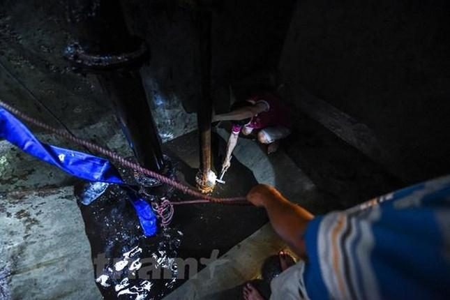 Viwaco thau rửa bể chung cư phát hiện nước đen kịt nồng nặc mùi ảnh 8