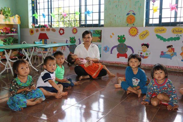 Đắk Nông: Sợ trò thất học, 8 cô giáo trẻ tình nguyện đứng lớp không lương ảnh 4