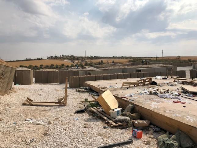 Quân Mỹ tự ném bom căn cứ của mình ở Syria ảnh 1