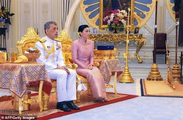 Hoàng hậu Thái Lan Suthida Vajiruslongkorn: 6 năm từ thiếu uý lên đại tướng ảnh 10