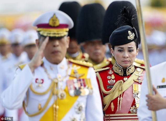 Hoàng hậu Thái Lan Suthida Vajiruslongkorn: 6 năm từ thiếu uý lên đại tướng ảnh 6