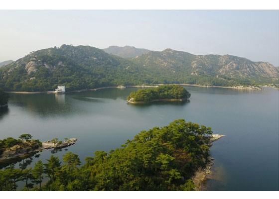 Phu nhân ông Kim Jong-un thăm núi thiêng Kim Cương sau 4 tháng ẩn mình ảnh 5
