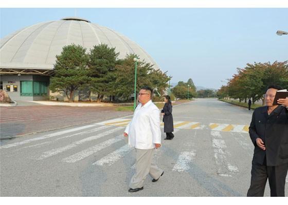 Phu nhân ông Kim Jong-un thăm núi thiêng Kim Cương sau 4 tháng ẩn mình ảnh 7