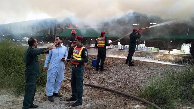 Nổ gas kinh hoàng trên tàu hoả, gần 70 người chết thảm ảnh 2