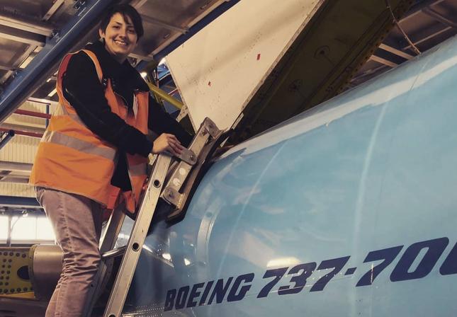 Trúng 'sét ái tình', người phụ nữ quyết định kết hôn với máy bay Boeing 737 ảnh 1