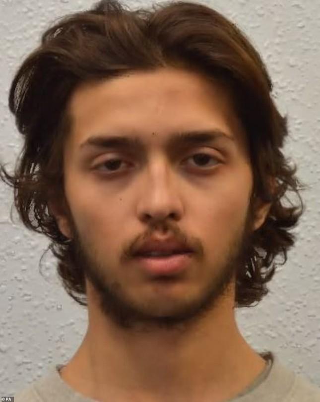 Nghi phạm 18 tuổi vừa ra tù đã tấn công khủng bố bằng dao ở London ảnh 2
