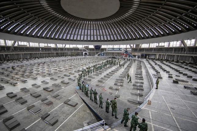 Hội chợ, sân bóng trên toàn cầu 'hóa' bệnh viện dã chiến chống COVID-19 ảnh 20