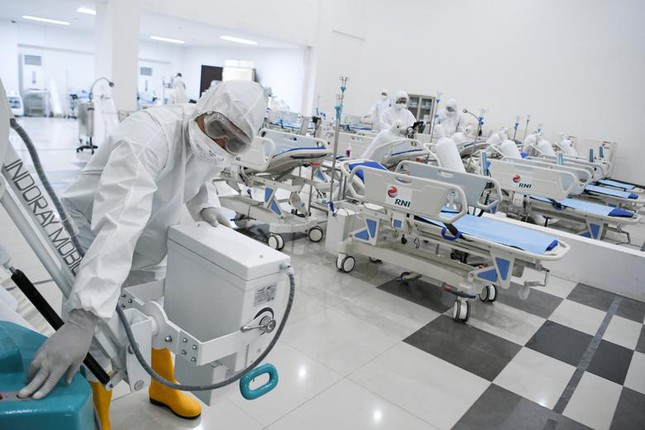 Hội chợ, sân bóng trên toàn cầu 'hóa' bệnh viện dã chiến chống COVID-19 ảnh 4