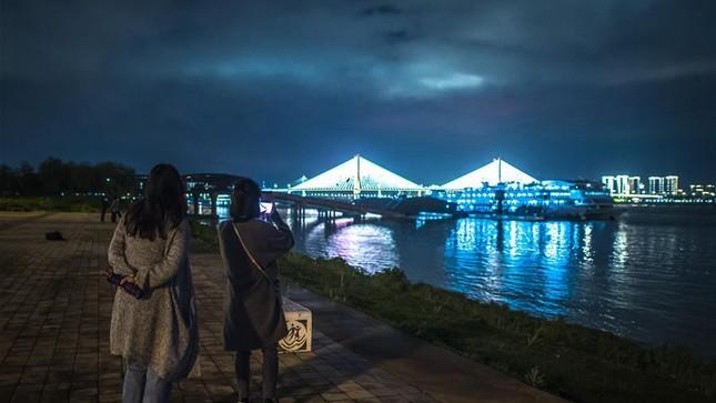Vũ Hán: 'Mùa xuân trở lại' sau 65 ngày cửa đóng then cài vì COVID-19 ảnh 8