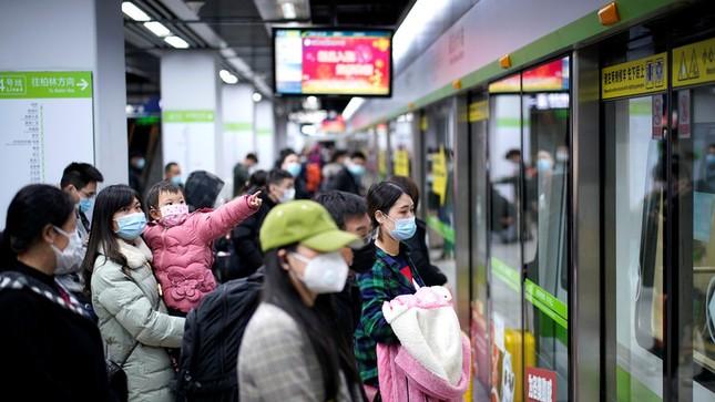 Vũ Hán: 'Mùa xuân trở lại' sau 65 ngày cửa đóng then cài vì COVID-19 ảnh 1