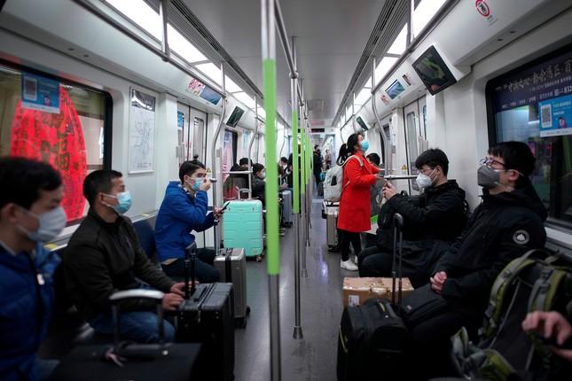Vũ Hán: 'Mùa xuân trở lại' sau 65 ngày cửa đóng then cài vì COVID-19 ảnh 2