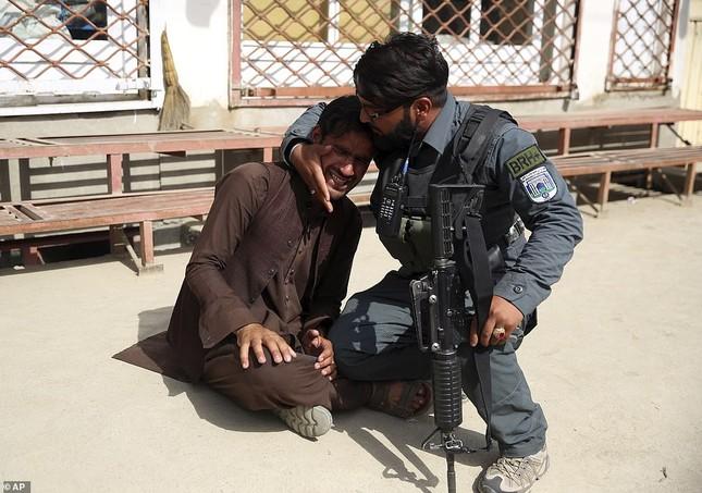 Afghanistan: Tấn công đẫm máu tại bệnh viện phụ sản, gần 30 người thương vong ảnh 4