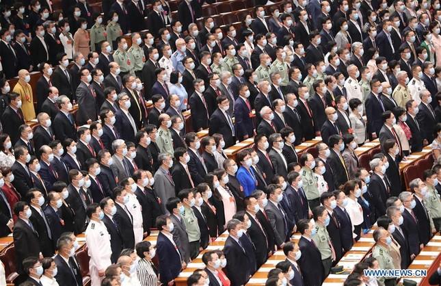 Trung Quốc: Mặc niệm nạn nhân COVID-19 trong lễ khai mạc Hội nghị Chính trị Hiệp thương ảnh 2
