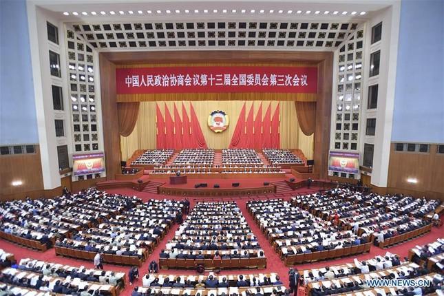Trung Quốc: Mặc niệm nạn nhân COVID-19 trong lễ khai mạc Hội nghị Chính trị Hiệp thương ảnh 1