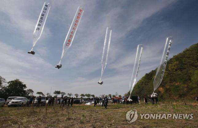 Triều Tiên chuẩn bị 12 triệu truyền đơn, 3.000 quả bóng bay để thả vào Hàn Quốc ảnh 1