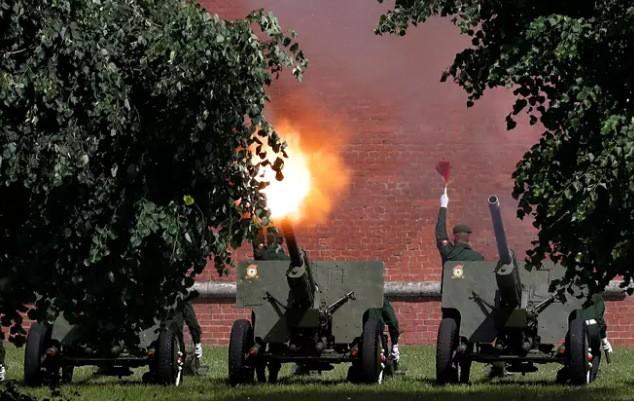 Nga khoe loạt khí tài uy lực trong lễ duyệt binh Ngày Chiến thắng ảnh 1