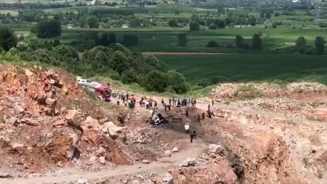 Xe quân sự chở pháo hoa phát nổ kinh hoàng, 9 người thương vong ảnh 2