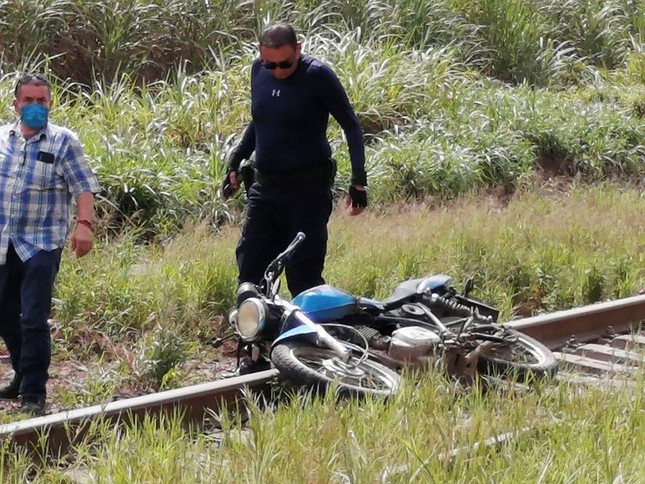 Mexico rúng động vụ nhà báo bị tra tấn, chặt đầu cạnh đường ray ảnh 2