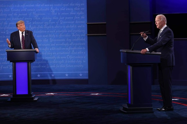 Ông Biden gọi ông Trump 'là tổng thống tồi tệ nhất mà nước Mỹ từng có' ảnh 1