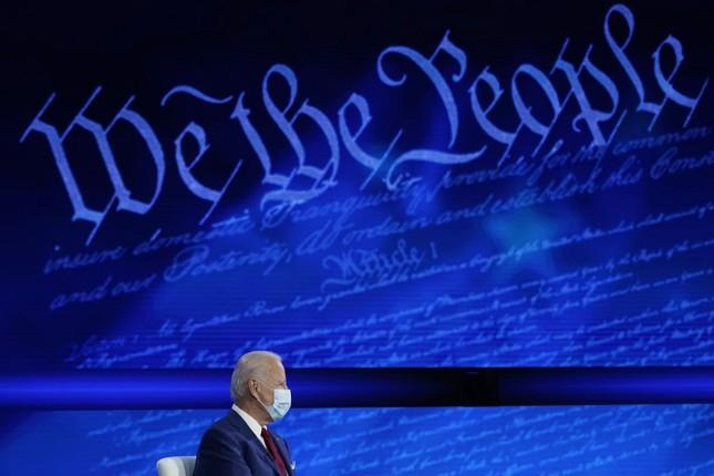 Hai ông Trump và Biden cùng tổ chức hỏi-đáp, tranh sóng giờ vàng truyền hình ảnh 1