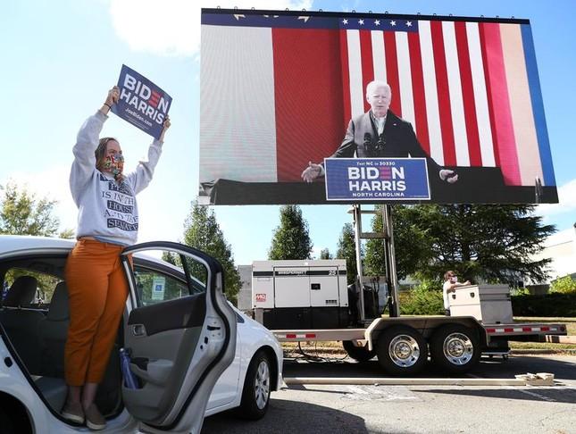 Hai ông Trump - Biden và cách vận động cử tri trái ngược giữa mùa dịch ảnh 16