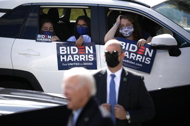 Hai ông Trump - Biden và cách vận động cử tri trái ngược giữa mùa dịch ảnh 11