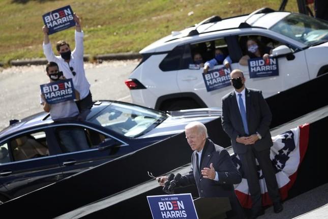 Hai ông Trump - Biden và cách vận động cử tri trái ngược giữa mùa dịch ảnh 13