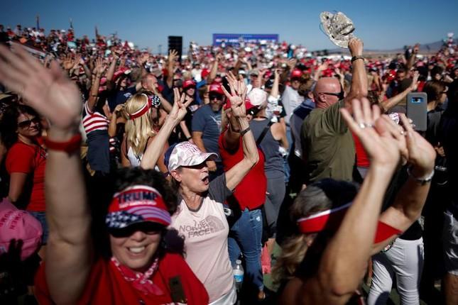 Hai ông Trump - Biden và cách vận động cử tri trái ngược giữa mùa dịch ảnh 4