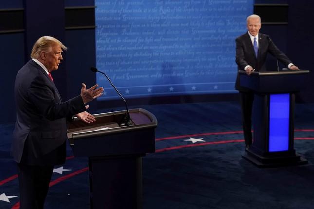 Ông Biden: Ai chịu trách nhiệm vì nhiều người chết do COVID-19 không nên làm tổng thống ảnh 9