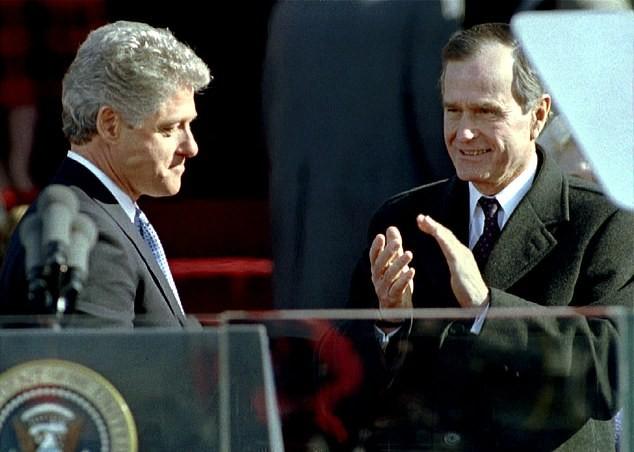 Thư gửi người kế nhiệm của cựu Tổng thống Bush gây 'sốt' trở lại ảnh 4