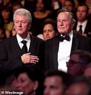 Thư gửi người kế nhiệm của cựu Tổng thống Bush gây 'sốt' trở lại ảnh 3